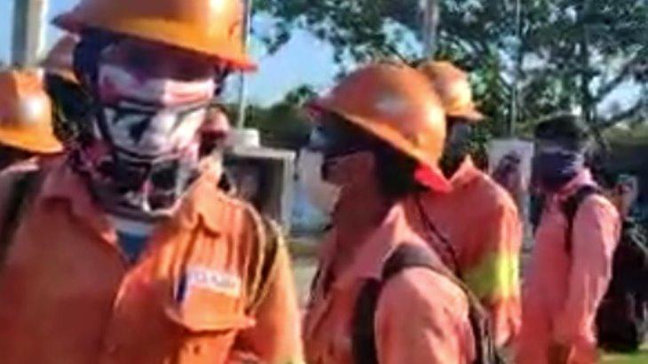 Denuncian abusos de sindicato en Paraíso; cobrarían hasta mil 500 pesos por espacio y 300 pesos de cuota semanal