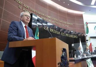 Vacunas anticovid para menores y tercera dosis se definirá en 2022: Jorge Alcocer