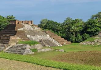 Reabre sus puertas zona arqueológica de Comalcalco