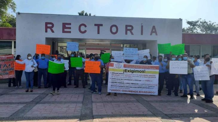 ¡Paro en la UPCHE! Trabajadores exigen la salida del rector y camarilla de sinverguenzas