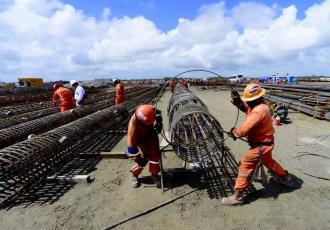 Denuncia Sánchez Cabrales, que sindicatos cobran a las empresas de la refinería, 500 pesos por trabajador