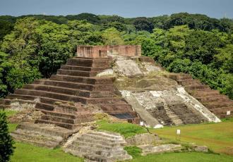 Tras reapertura al público, zona arqueológica de Comalcalco recibe sus primeros visitantes