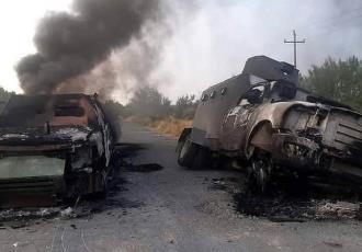 Dos muertos y seis camionetas incendiadas deja enfrentamiento entre grupos armados en NL