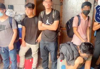 Encuentran en Chihuahua a 53 migrantes con deshidratación