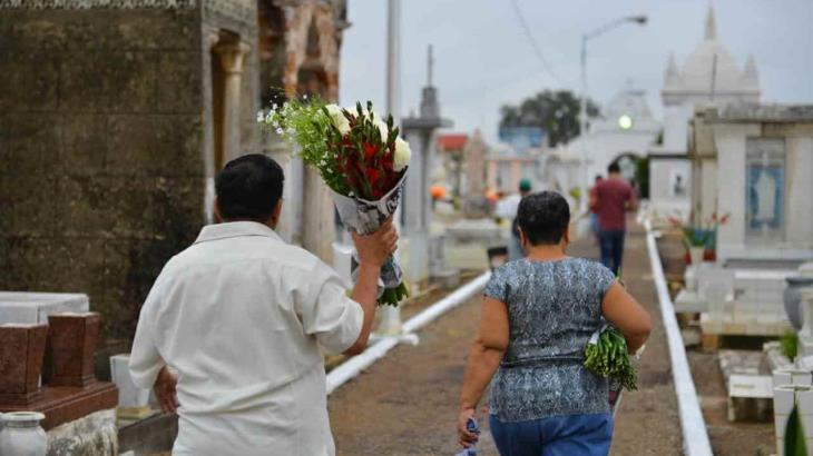 Permitirán aforo del 70% en panteones de Tabasco durante Día de Muertos